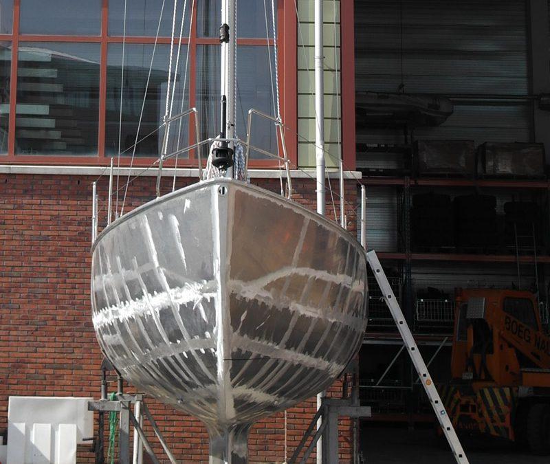 Aluminium schip Boeg